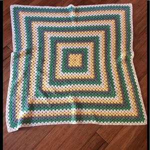 Hand crocheted 🧶 large baby blanket 💛